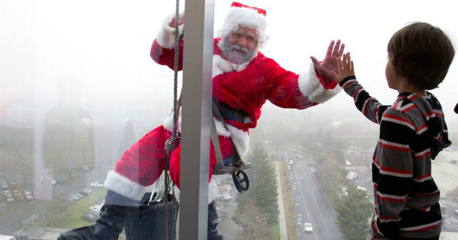 Window-Santas