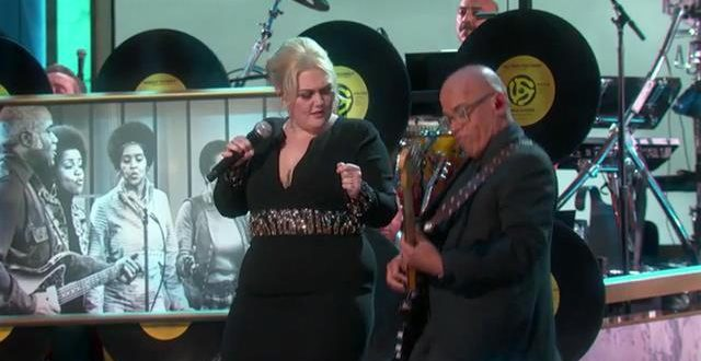 Elle King Salutes Mavis Staples At Kennedy Center Honors