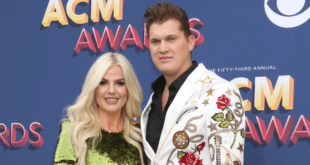 Jon Pardi and Girlfriend on Red Carpet