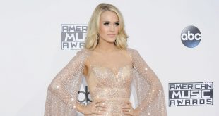 Carrie Underwood at Awards show